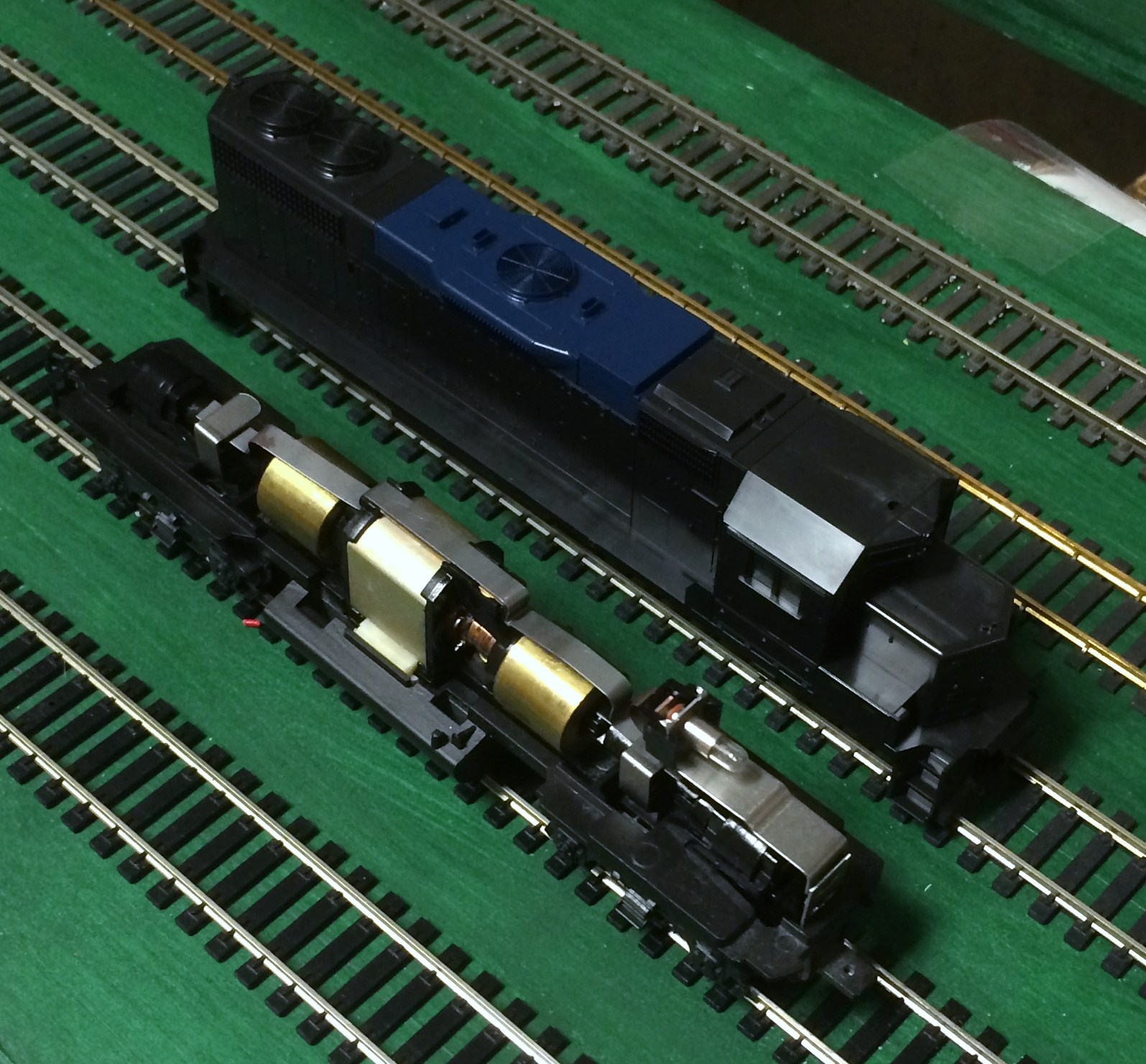 Modified Five Wire Upgrade Llx Locomotives Blog Wiring Dcc As Well Model Train Layouts On Img 0191